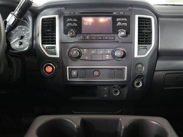 2018 Nissan Titan V8
