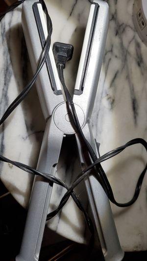 Conair hair straightener/flat iron for Sale in Everett, WA