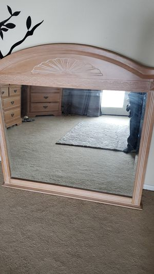 Full size dresser mirror for Sale in Arvada, CO