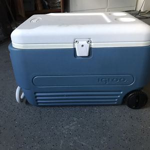 Large Igloo Cooler for Sale in CA, US