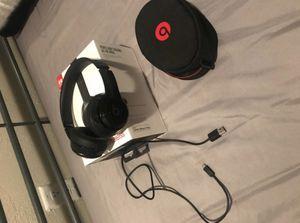 Black Beats solo 2 Bluetooth for Sale in Tempe, AZ