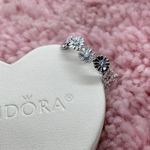 Sparkling Daisy Flower Pandora Ring Size 56EU/7.5US for Sale in Waukegan, IL