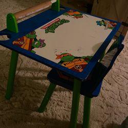 Toddler ninja turtle Desk for Sale in Kingsburg,  CA