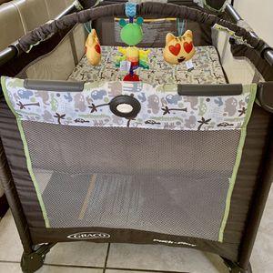 Crib Playard Baby for Sale in Katy, TX