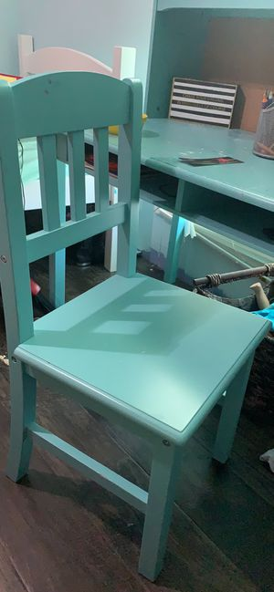 Kids desk with Chair- Color Teal for Sale in Dallas, TX