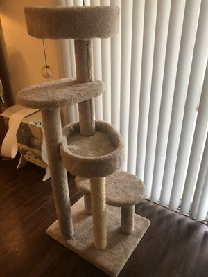 LIKE NEW CAT TREE for Sale in Tampa, FL