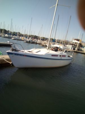 Sailboat (Mcgregor) 27 feet with 25 hp Merc 1985 outboard for Sale in Stockton, CA