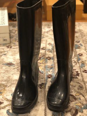 Rubber Boots size 6 (nearly new) for Sale in Bedford, MA
