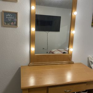 Vanity Table and Mirror for Sale in Tulare, CA