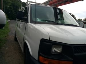 Chevy van express 3500 for Sale in Triangle, VA