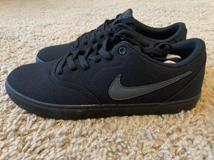 Nike SB Solar Canvas Mens Size 9.5 Triple Black 843896-002 New in Box! for Sale in Kaysville, UT