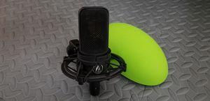 Audio-Technica AT4040 Cardioid Condenser Microphone for Sale in Miami, FL