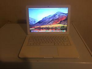 MacBook 2009 4GB Ram 500 hard drive for Sale in Philadelphia, PA