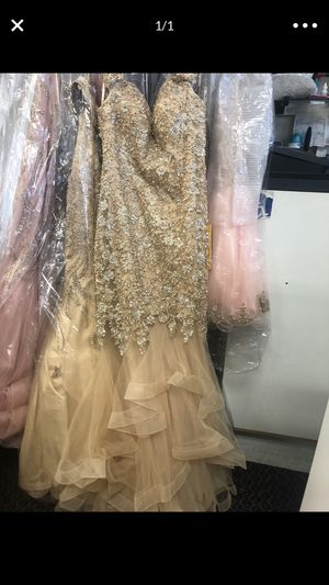 prom dress size 8 for Sale in Sacramento, CA