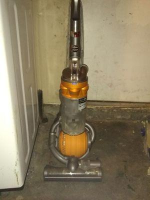 Dyson DC25 big ball vacuum for Sale in Las Vegas, NV