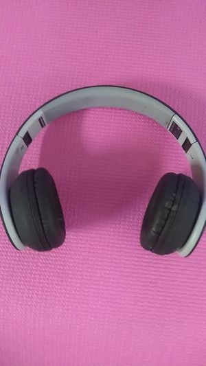 I trak wireless headphones for Sale in Los Angeles, CA