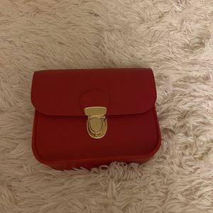 Women's Red Crossbody Bag for Sale in Clinton, MD