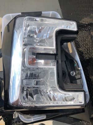FORD F250 XLT 2018 HEADLIGHTS & TAIL LIGHT S for Sale in Fort Worth, TX