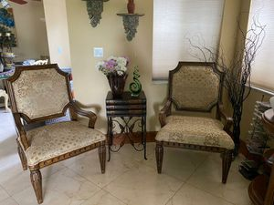 Large wood chair set for Sale in Miami, FL
