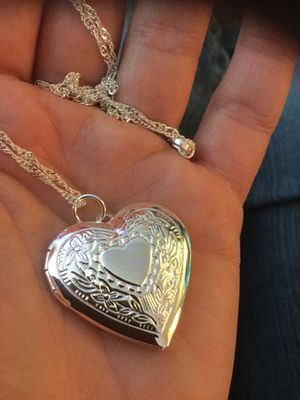 Heart locket pendant necklace sterling Silver 925 stamped 💛💜💛 Love Silver jewelry come visit for Sale in Alexandria, VA
