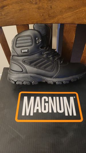 MAGNUM BOOTS for Sale in UPR MARLBORO, MD
