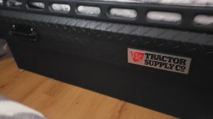 Tractor Supply Truck Tool Box with Lid Rail for Sale in Warrenton, VA