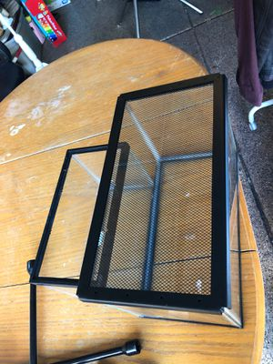 5 gallon with screen lid, 2.5 gallon tank for Sale in Las Vegas, NV