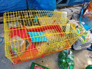 Animal cage and accessories for Sale in Miami, FL