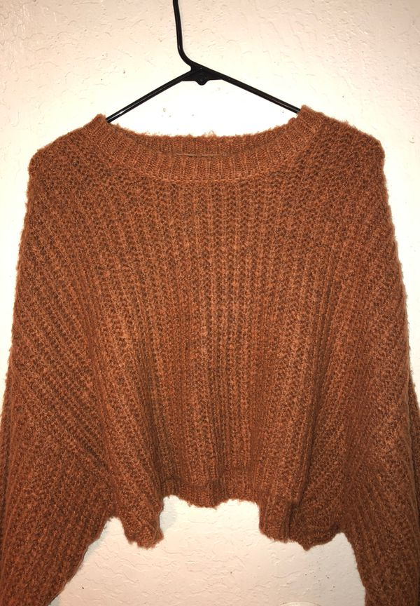 Long sleeve knitted crop top