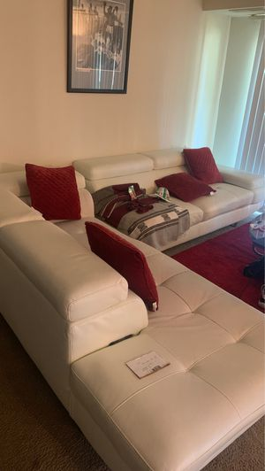 White Bonded Leather Sectional Couch for Sale in Glenarden, MD