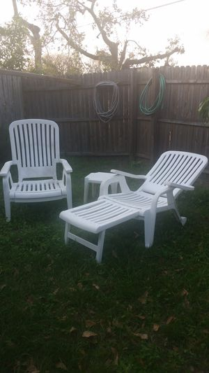 Swimming Pool Lounge Chairs for Sale in Orlando, FL