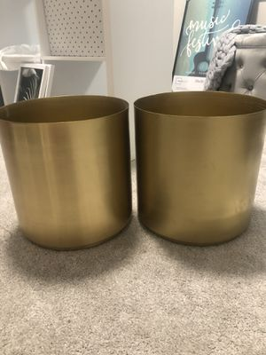 2 Gold plant pots for Sale in FAIRMOUNT HGT, MD