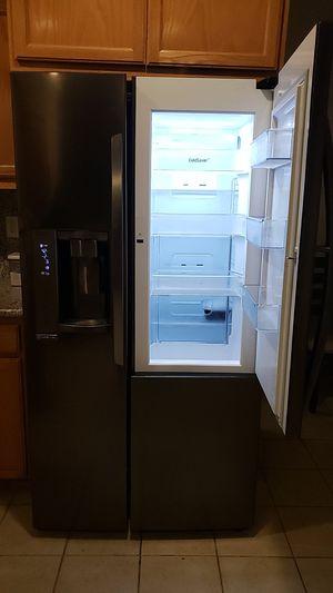 Lg double door fridge $275 MAKE AN OFFER for Sale in Pittsburg, CA