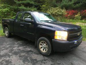2008 Chevy Silverado pickup truck low miles 4x4 for Sale in Woodbridge, VA