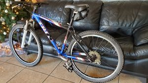Trek 6700 mountain bike race front suspension very lightweight and fast bike for Sale in Mesa, AZ