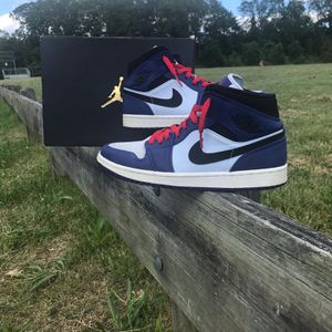 Air Jordan 1 MID SE, Size 8 for Sale in Alexandria, VA