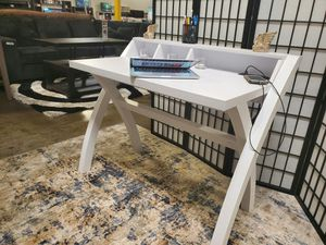 Computer/Office Desk with Electrical and USB Outlets, White Finish for Sale in Santa Ana, CA