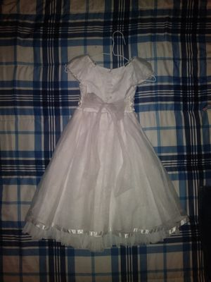 Flower girl dress size 6 for Sale in Fort Worth, TX