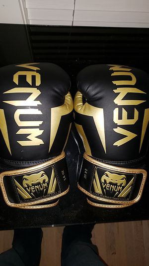 Venom boxing gloves for Sale in Charlotte, NC