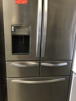 WHIRLPOOL FRENCH DOOR STAINLESS STEEL REFRIGERATOR BRAND NEW OPEN BOX 5 Doors for Sale in Moreno Valley,  CA