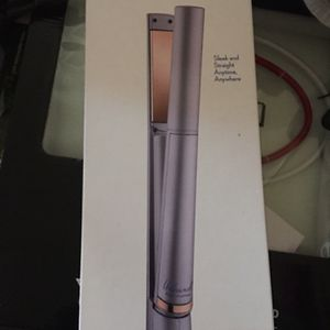 Unbound hair Straightener for Sale in Fontana, CA