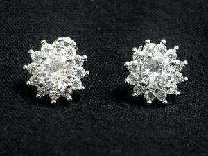 Sterling Silver CZ/ Crystal EarringsSterling Silver CZ/ Crystal Earrings for Sale in Las Vegas, NV