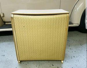 VINTAGE PEARL WICK Vintage 1960s MID CENTURY MODERN GOLD HAMPER HOLLYWOOD REGENCY for Sale in Orange City, FL
