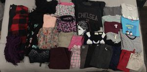 33 pcs of women's clothing bundle (ASKING $50.00 or BEST OFFER) for Sale in Hayward, CA