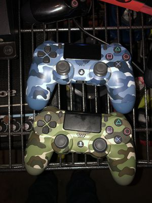 PS4 Controllers for Sale in Burien, WA