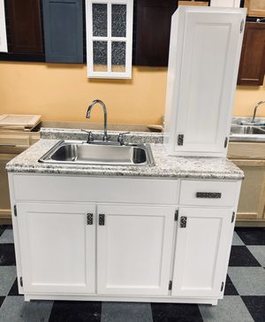 Kitchen cabinets for Sale in Fullerton, CA
