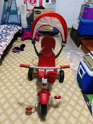 Radio Flyer 4-and-1 stroll n trike for Sale in Silver Spring, MD