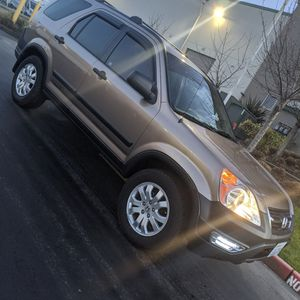 2004 Honda CR-V 5 Speed 4WD for Sale in Des Moines, WA