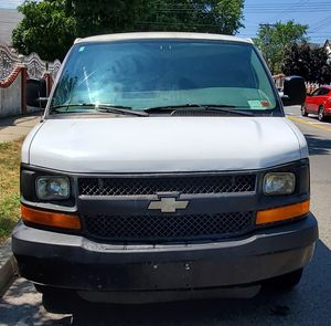 2008 chevy Express 3500 for Sale in Queens, NY