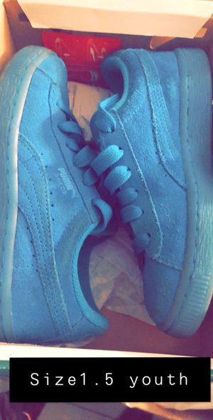 Size 1.5 youth pumas for Sale in Miami, FL